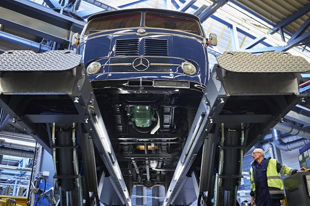 Mercedes-Benz LKW 13