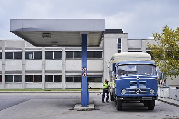 Mercedes-Benz LKW 16
