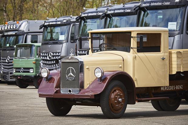 Mercedes-Benz LKW 22