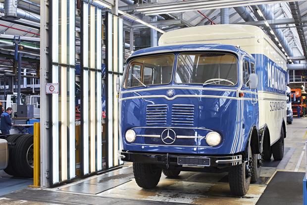 Mercedes-Benz LKW 2