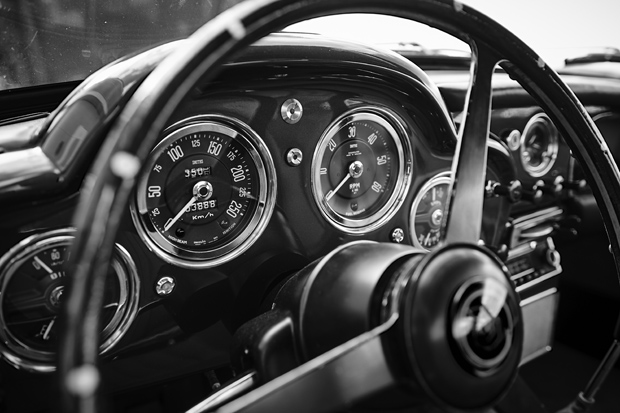 Aston Martin 11