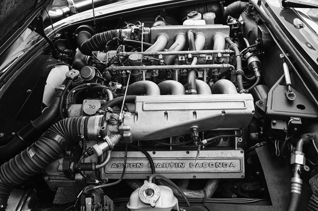 Aston Martin 9